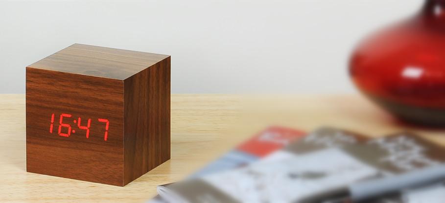 jaloilla koko 7 halpa myynti Cube Walnut Click Clock - Cube Click Clock - Gingko